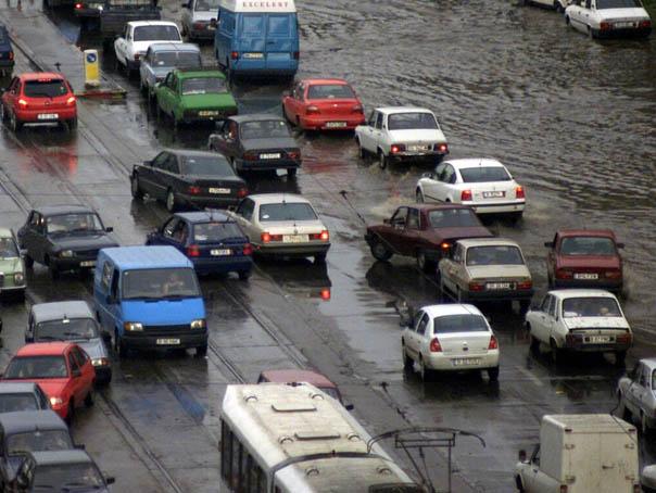 Bucurestiul si 21 de localitati din noua judete, afectate de furtunile din ultimele ore