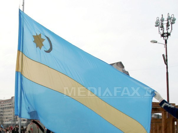 Harghita: Dragnea a refuzat sa taie o panglica �n culorile steagului secuiesc, la inaugurarea DJ 174A