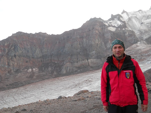 REPORTAJ: Primul rom�n ajuns pe Everest, Teodor Tulpan, rasp�ndeste