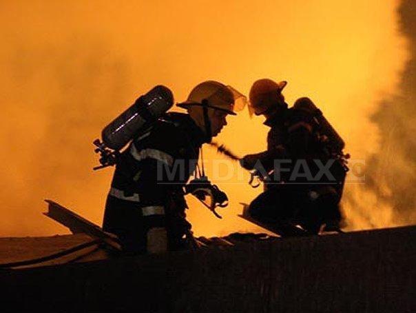 Incendiu la un oficiu postal din zona Garii de Nord. Focul a fost stins, nu au fost victime