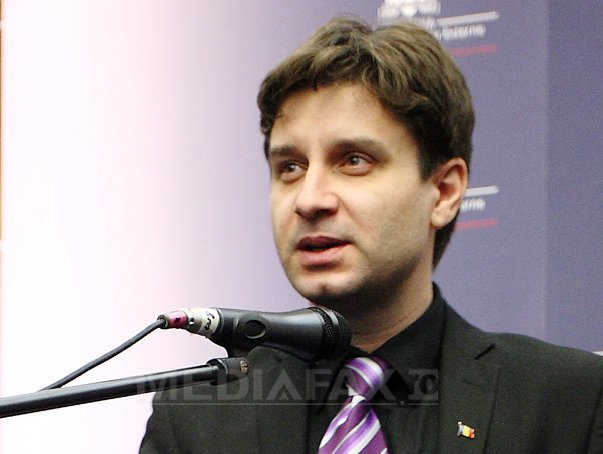 Deputatul aflat �n greva foamei �si continua protestul �n spital. Aurelian Mihai, dus la Spitalul Universitar de Urgenta Bucuresti