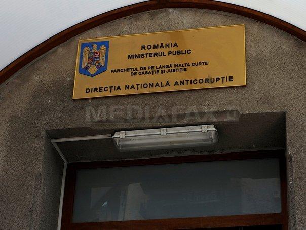 Procurorul Vasile Popa de la Bihor, urmarit penal pentru santaj, luare de mita, abuz �n serviciu