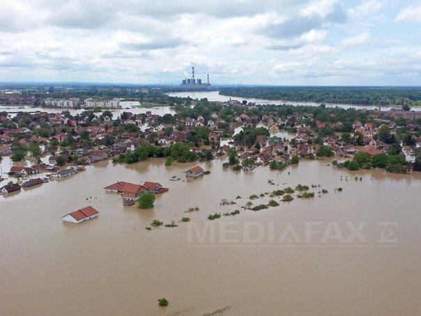 Imagini pentru inundatii mehedinti IMAGINI