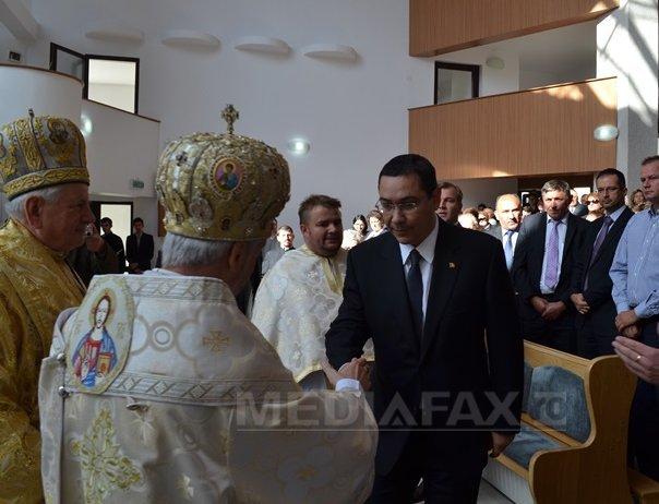 Ponta: Cei ce cred �n Dumnezeu, respecta tara si legile sunt buni rom�ni. Nu exista discriminare - FOTO