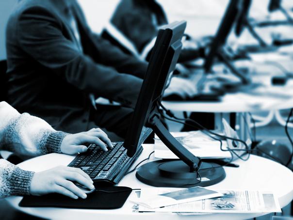 MEN: Platforma manualelor digitale a avut peste 16 milioane de accesari �n primele doua zile