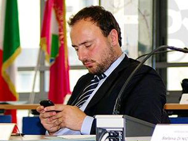 Reactia MAE la afirmatiile unui politician italian facute pe Facebook la adresa rom�nilor