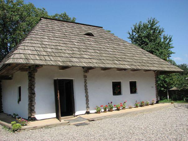 Casa memorială Ion Creangă şi clădirea Palatului Administrativ din Suceava, reabilitate fără aviz