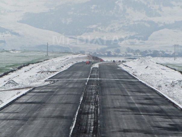 Circulatie �ngreunata pe autostrazile A1 si A2 din cauza zapezii si a poleiului