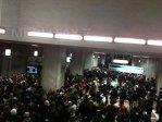 Imaginea articolului Circulaţie întreruptă la metrou, din cauza unei defecţiuni la un tren, în staţia Tineretului - FOTO