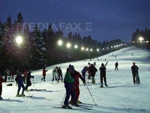 Imaginea articolului REPORTAJ: Minivacanţa de 1 Decembrie la Braşov - cină românească şi muzică populară, în oferte last minute. Sezonul de schi, deschis la Păltiniş în minivacanţă