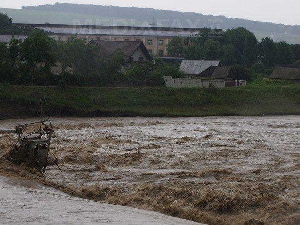 Teleorman: 43 de localitati afectate de inundatii. Şapte persoane au fost evacuate la rude
