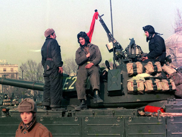 Guvernul nu acorda indemnizatii revolutionarilor care, �n 1989, au condus oameni si ridicat baricade