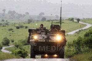 Câmp de luptă în România, cu 200 de tancuri, elicoptere şi avioane supersonice - FOTO