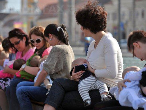Imaginea articolului Sondaj: 80% din bărbaţi cunosc beneficiile laptelui matern, patru din zece ar alăpta, dacă ar putea