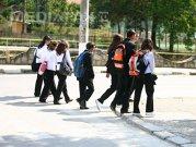 STRUCTURA anului şcolar 2015-2016: Când începe şcoala şi când vor avea VACANŢĂ elevii