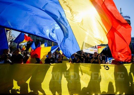 """Imaginea articolului INCIDENTE la Neptun, unde are loc şedinţa guvernelor României şi Republicii Moldova: Peste 300 de persoane cer unirea: """"Vrem Unire"""", """"Trecem Prutul"""", """"Basarabia e România"""""""