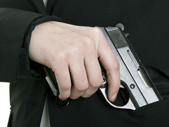 Imaginea articolului Noua Lege privind regimul armelor şi muniţiilor: Poliţia poate cere reevaluarea psihologică a celor cu permis de port-armă