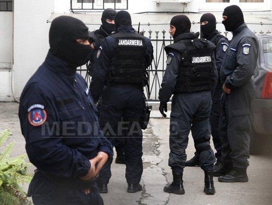Imaginea articolului Percheziţii DNA la locuinţele a trei foşti ofiţeri SRI din Prahova