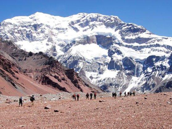 Imaginea articolului RECORD MONDIAL: Alpinista Dor Geta Popescu, în vârstă de 12 ani, a atins vârful Aconcagua - VIDEO