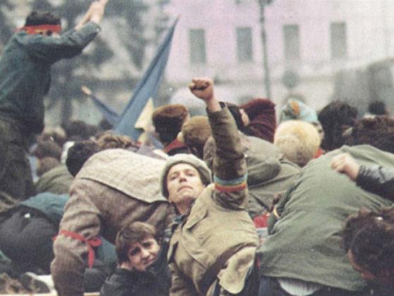 Imaginea articolului CEDO, în dosarul Revoluţiei: Românii care au făcut plângere vor primi câte 15.000 de euro