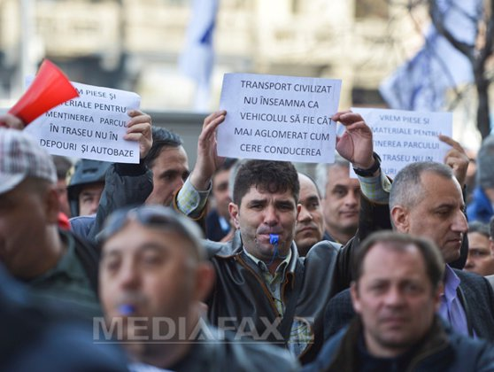 Imaginea articolului Protest la RATB: Salariaţii spun că nu au toalete şi că autobuzele sunt pericole publice. FOTO