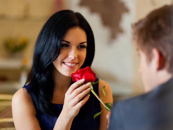 Imaginea articolului 8 Martie: Ce calităţi caută bărbaţii din România la partenera de cuplu şi de ce anume se tem aceştia într-o relaţie