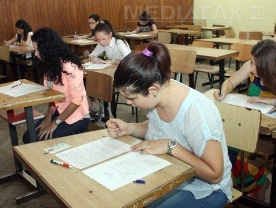 Imaginea articolului SIMULARE BACALAUREAT 2016: Elevii susţin miercuri proba la Istorie şi Matematică