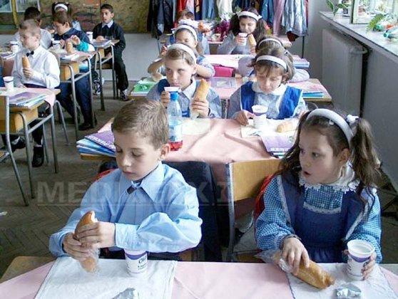 Imaginea articolului Braşov: Laptele consumat de elevii care au ajuns la spital nu conţine enterobacterii