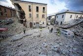 Cutremurător! Care a fost ULTIMA POSTARE pe Facebook a Violetei Moldovan, victimă a cutremurului din Italia! Femeia se afla în vacanţă!