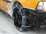 Poliţia Română le recomandă şoferilor să folosească anvelope de iarnă în această perioadă. Ce se întâmplă dacă sunteţi depistat fără ele pe drumuri cu zăpadă, gheaţă sau polei