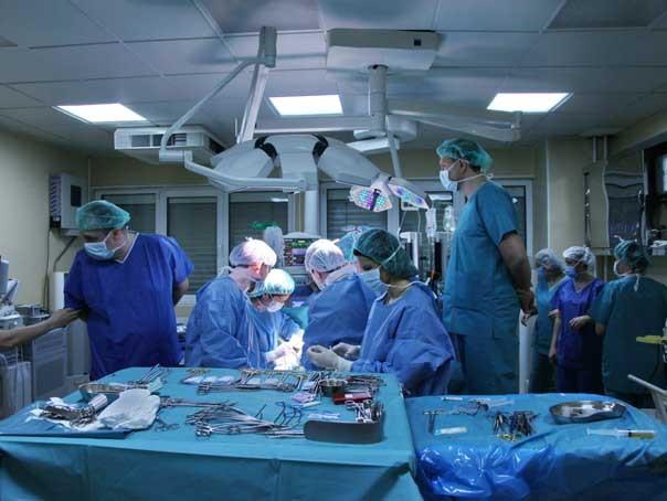 """Imaginea articolului Managerul Spitalului Sfânta Maria nu e de acord cu invitarea de către ministrul Sănătăţii a unui membru din fundaţia Eurotransplant: Urmăreşte """"o muşamalizare a acuzaţiilor gave care i se aduc"""""""