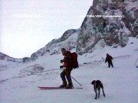 Imaginea articolului Şapte oameni rătăciţi pe munte în Prahova, recuperaţi după o noapte de frig. Jandarmeria: S-au încălzit stând lipiţi unul de altul/ Doi tineri recuperaţi şi în Parâng după ce s-au pierdut pe munte