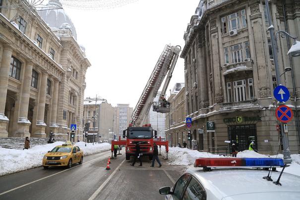 Imaginea articolului Proprietarii de clădiri pot fi învinuiţi pentru pagube şi vătămări provocate de căderile de ţurţuri