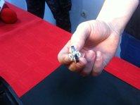 Imaginea articolului Pietre de stradă, în loc de diamante. Inelul furat de un român din Paris se întoarce la proprietar