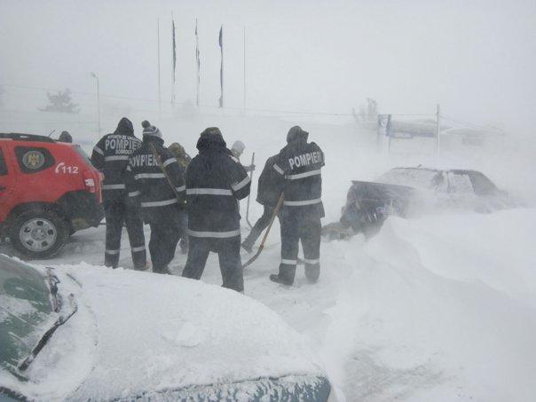 Imaginea articolului Şapte drumuri naţionale, închise din cauza viscolului şi a ninsorii/ Autostrada A2 Bucureşti-Constanţa va fi închisă marţi seara