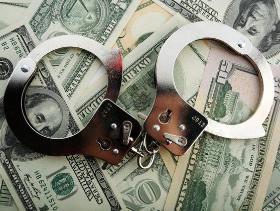 """Imaginea articolului 14 persoane, între care un fost ofiţer SRI, condamnate în dosarul """"Prostituate pentru VIP-uri"""""""