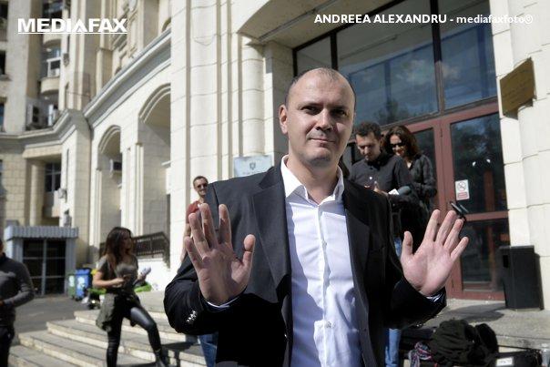 Imaginea articolului Un nou DOSAR pentru Sebastian Ghiţă. Acesta ar fi cerut peste 50 milioane euro/UPDATE: Fostul deputat este cercetat pentru trafic de influenţă şi constituire de grup infracţional