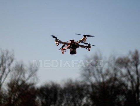 A vrut să PLASEZE un pachet cu drona în închisoare şi a ajuns şi el după GRATII