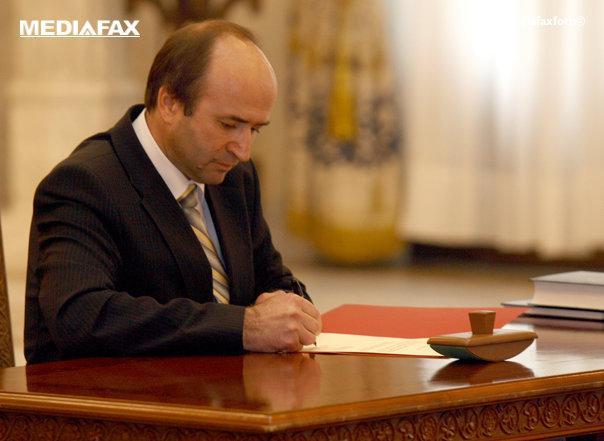 Imaginea articolului Tudorel Toader, ministrul Justiţiei, la CURTEA CONSTITUŢIONALĂ: Sorin Grindeanu mi-a solicitat să-l reprezint la şedinţa privind conflictul Guvern-DNA