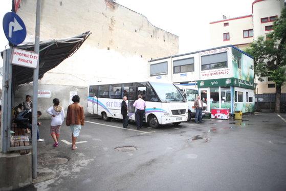 Imaginea articolului Transportatorii critică intenţia Primăriei Generale de a introduce linii RATB spre Ilfov, rute acoperite în prezent de firme private