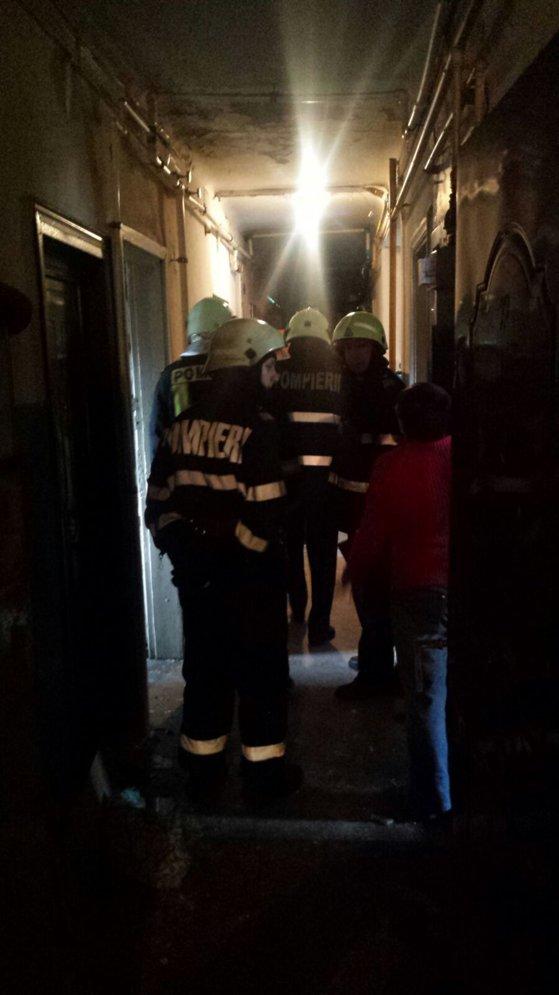 Imaginea articolului EXPLOZIE într-un apartament din Braşov. Două persoane au fost rănite