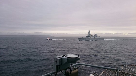 Imaginea articolului VIDEO Doi ofiţeri români, la bordul unui distrugător britanic pentru misiuni în Marea Mediterană
