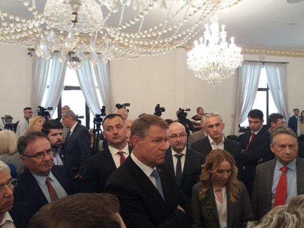"""Imaginea articolului Klaus Iohannis, despre impozitarea veniturilor """"pe gospodărie"""": """"Nu vorbesc despre asta acum, însă când am să o fac, voi fi mai informat decât cei care au pus-o pe masă"""""""