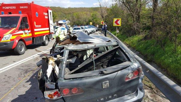 Imaginea articolului ACCIDENTUL în care au murit cinci oameni, printre care şi antrenorul de tenis de masă, a fost PRODUS de un şoferul unui tir cu permisul suspendat