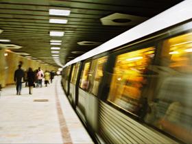 Imaginea articolului FOTO Motivul pentru care Metrorex a închis staţiile de metrou: Dispar vechile porţi de acces. Ce vrea regia să pună în locul acestora