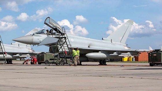 Imaginea articolului FOTO Misiuni de poliţie aeriană comună cu avioane ale Forţelor Aeriene Române şi ale Marii Britanii