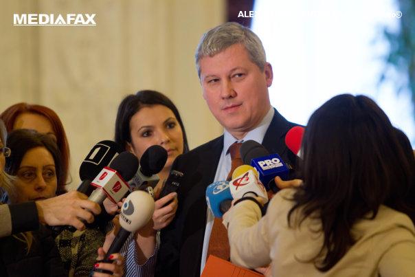 Imaginea articolului EXCLUSIV. Cătălin Predoiu, fost ministru al Justiţiei, în mandatul căruia a fost elaborat raportul SIPA: L-am trimis la CSAT şi l-am clasificat; Nu cunoşteam conţinutul arhivei