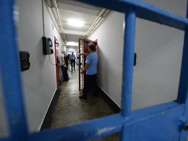 Imaginea articolului Un bărbat încarcerat în arestul Secţiei 5 din Capitală a fost găsit spânzurat