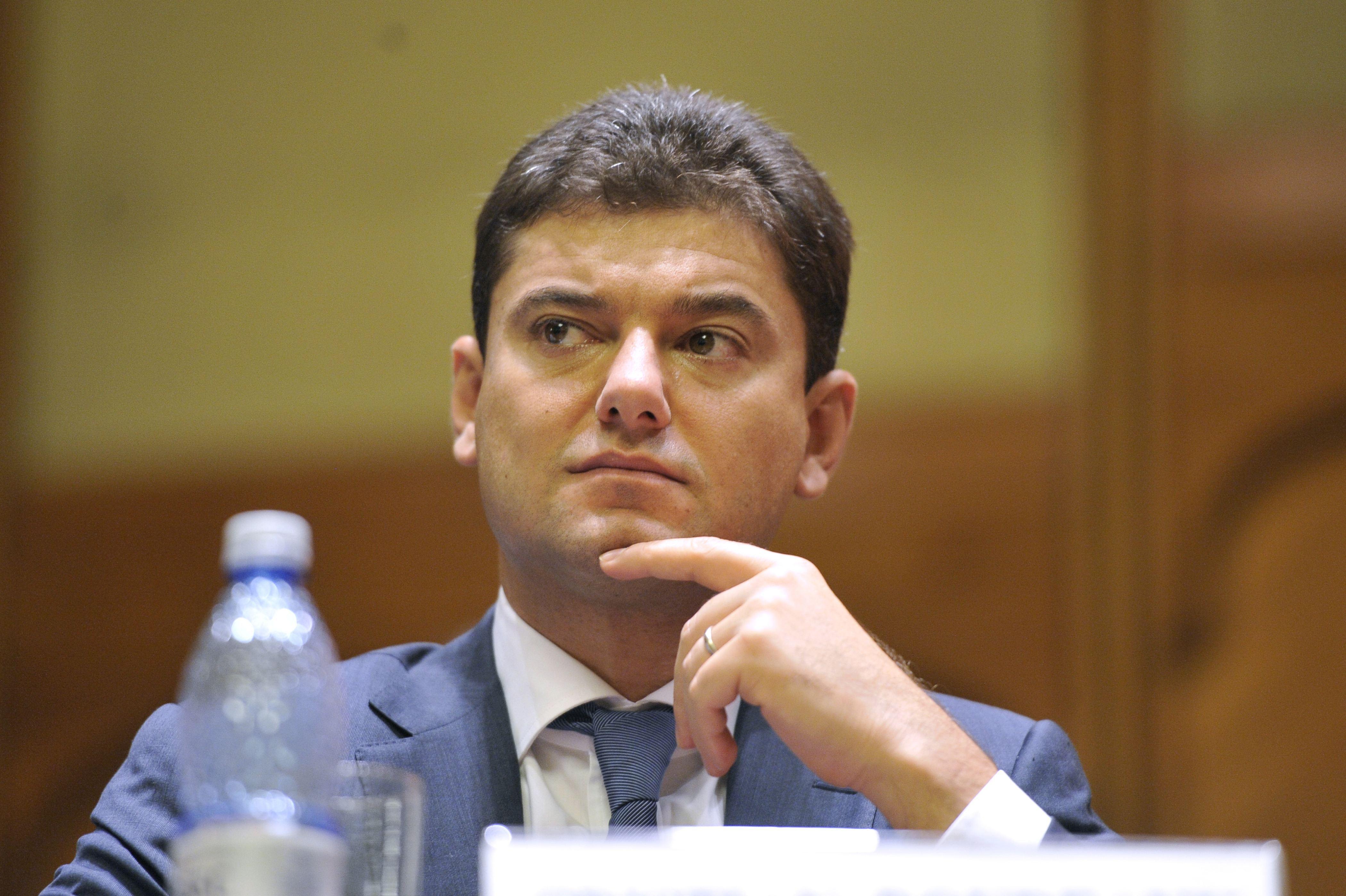 Cristian Boureanu, dosar penal pentru ultraj. Fostul deputat a lovit un poliţist, după care a adormit în secţia de poliţie