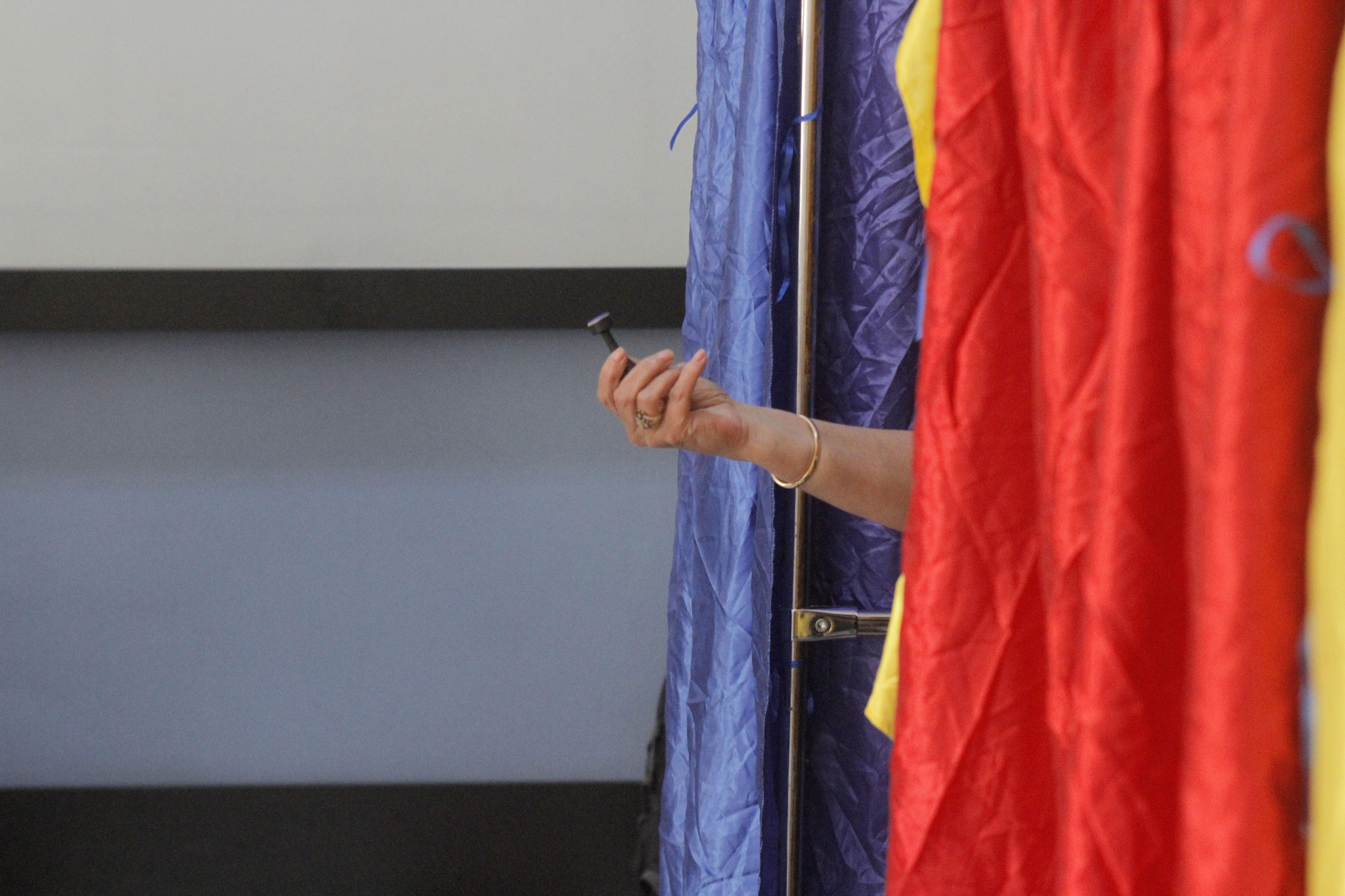 Dosar PENAL în Prahova după ce un bărbat a vrut să voteze deşi NU avea acest drept